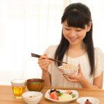 貧血に良い食べ物で生理痛の頭痛も治るって本当?どんな関係があるの?