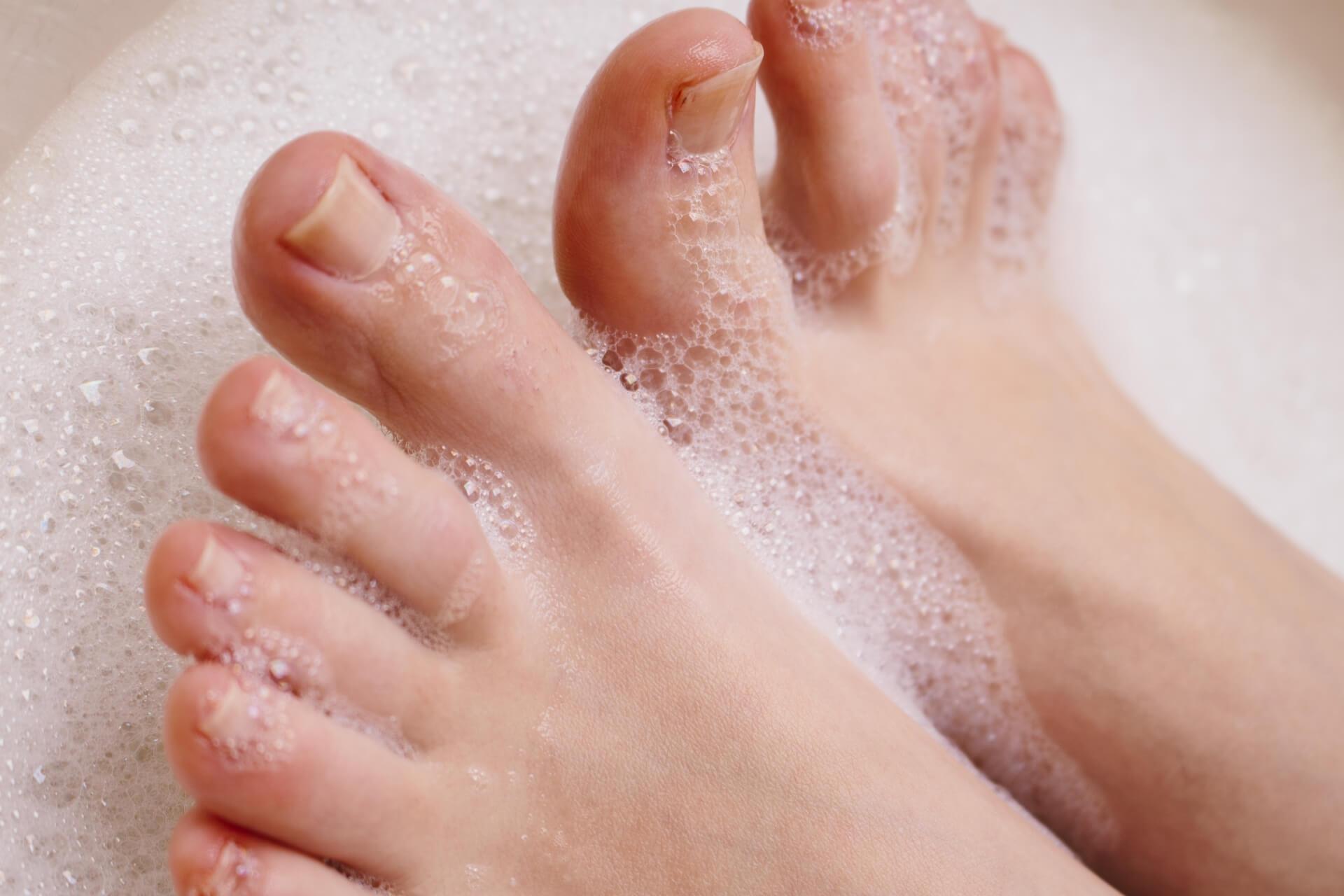 足がかゆい原因は?(夜になると・赤い斑点・糖尿 …